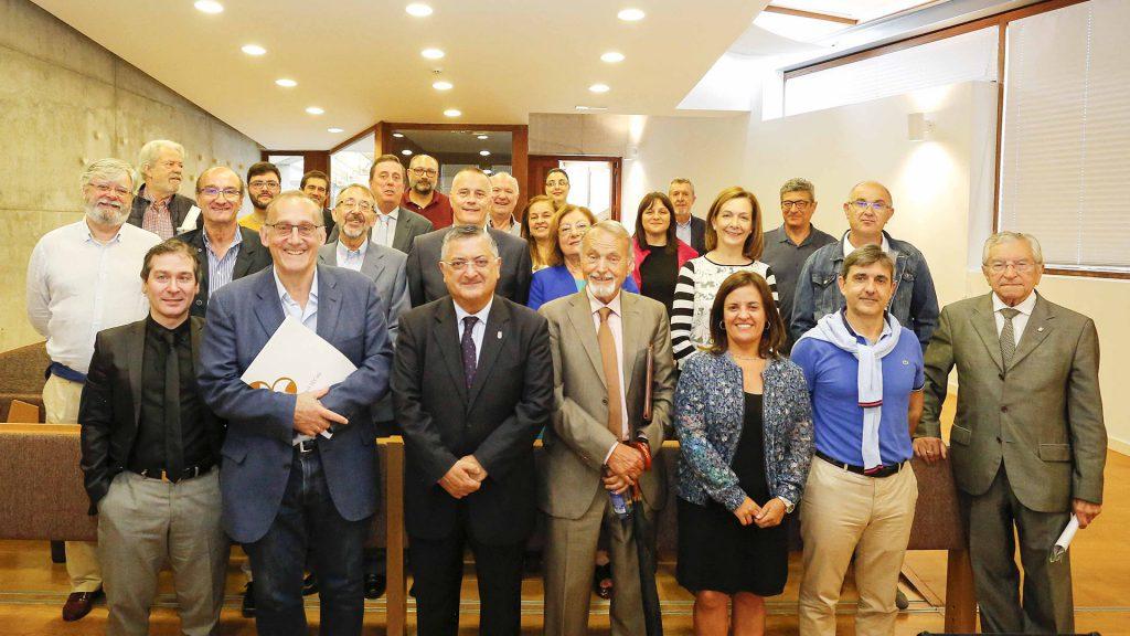Reunión dun pleno do Consello Social